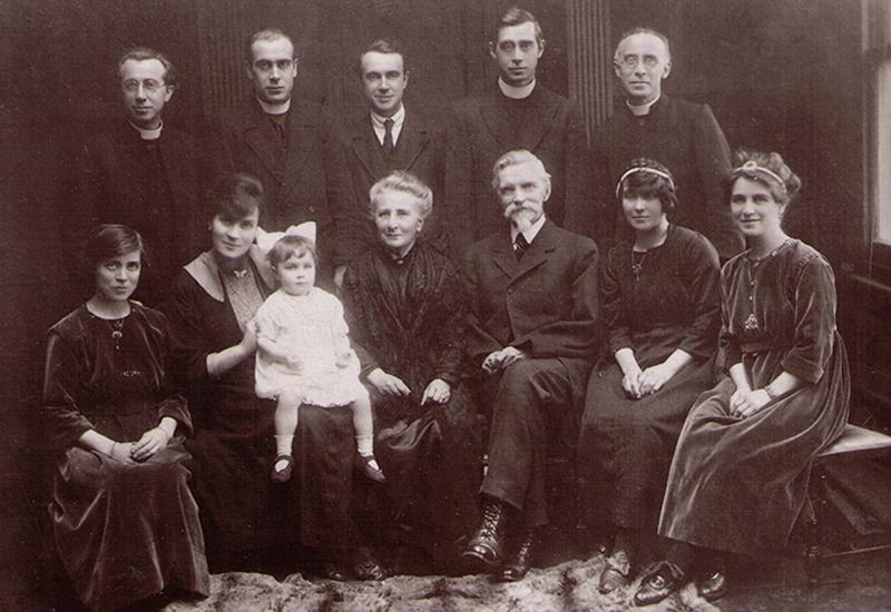 Arendzen Family Photo.800W